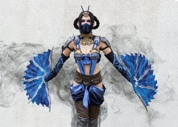 Kitana в трейлере компьютерной игры файтинга Mortal Kombat 11